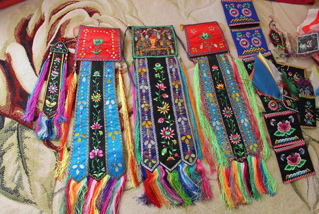当前文章:蒙古族刺绣